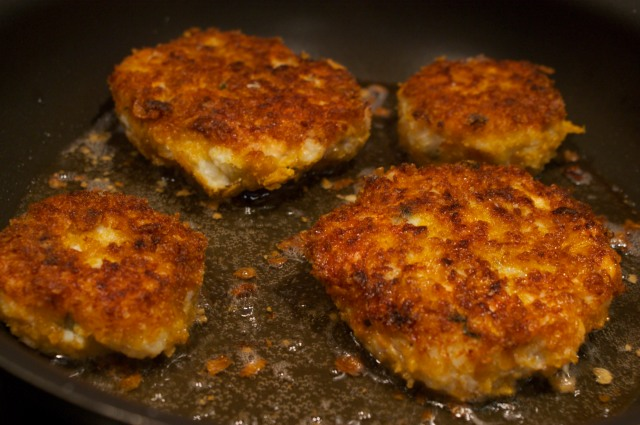 Fish cakes in the pan