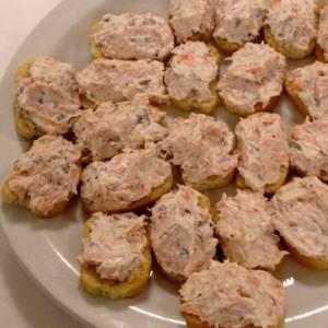 Hot smoked salmon crostini