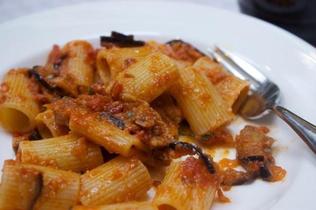 pasta with tomato and aubergine